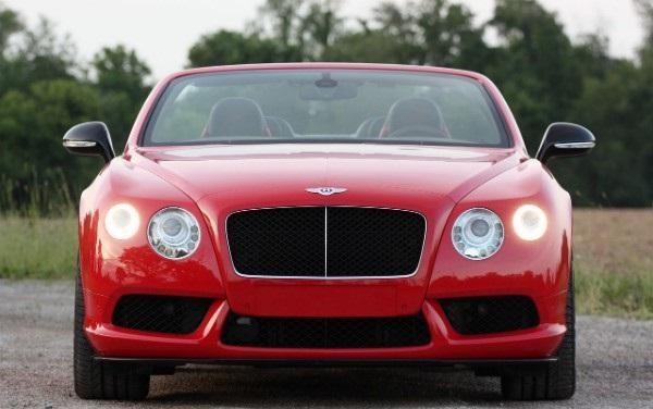 Кабриолет Bentley Continental GT V8 S вид спереди
