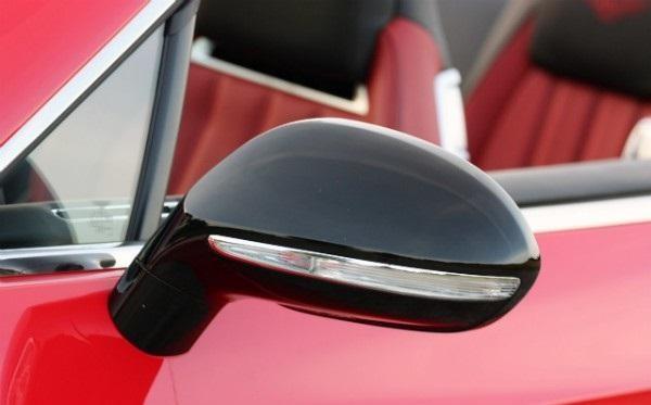 Боковое зеркало кабриолета Bentley Continental GT V8 S