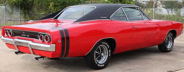 Красный маслкар Dodge Charger 440 1968