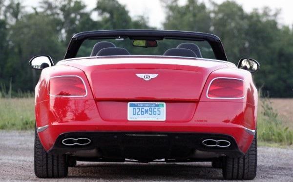 бентли кабриолет- вид с зади