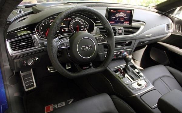 Салон, руль, консоль Audi RS7 Sportback