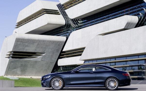 Mercedes S65 AMG Coupe вид сбоку
