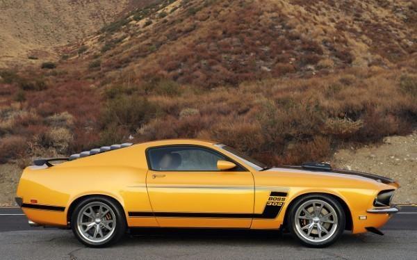 Ford Mustang Retrobuilt 1969 вид сбоку