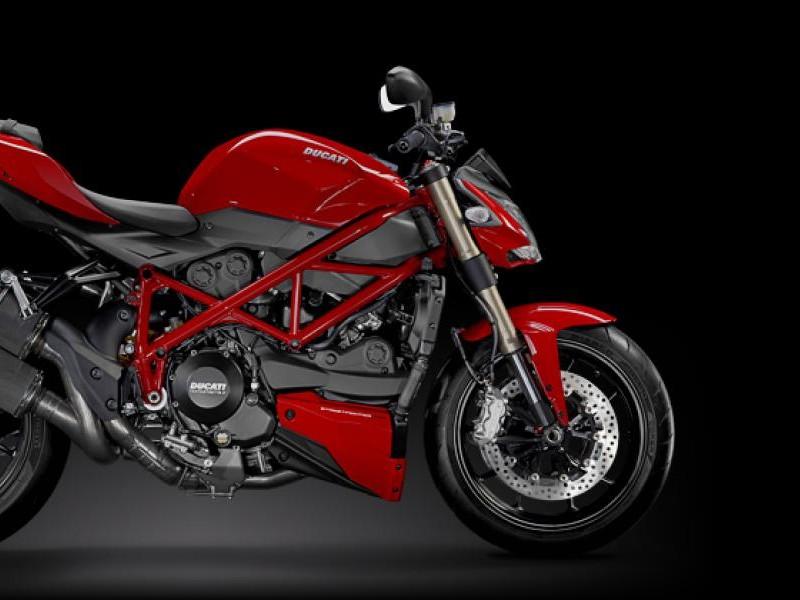 Красный Ducati Streetfighter 848 2015, вид сбоку