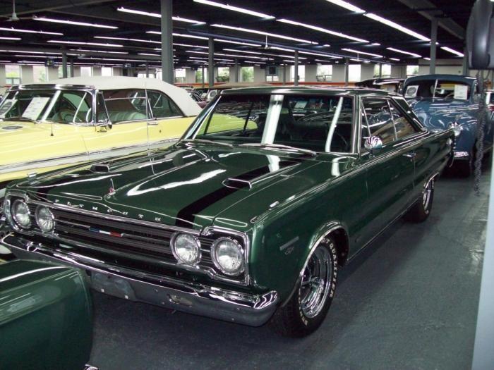 Зеленый Plymouth Belvedere 1967
