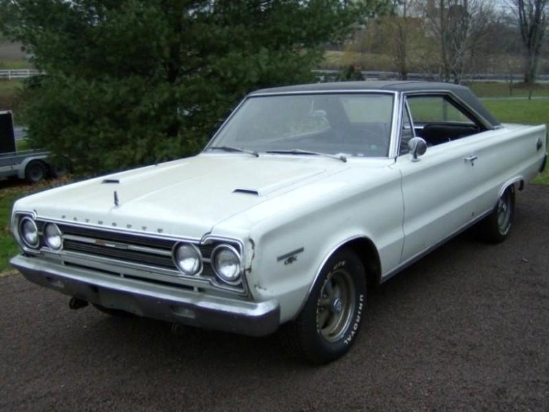 Белый Plymouth Belvedere 1967