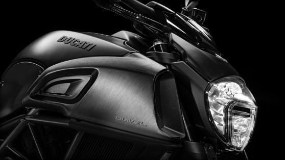Ducati Diavel, передняя фара
