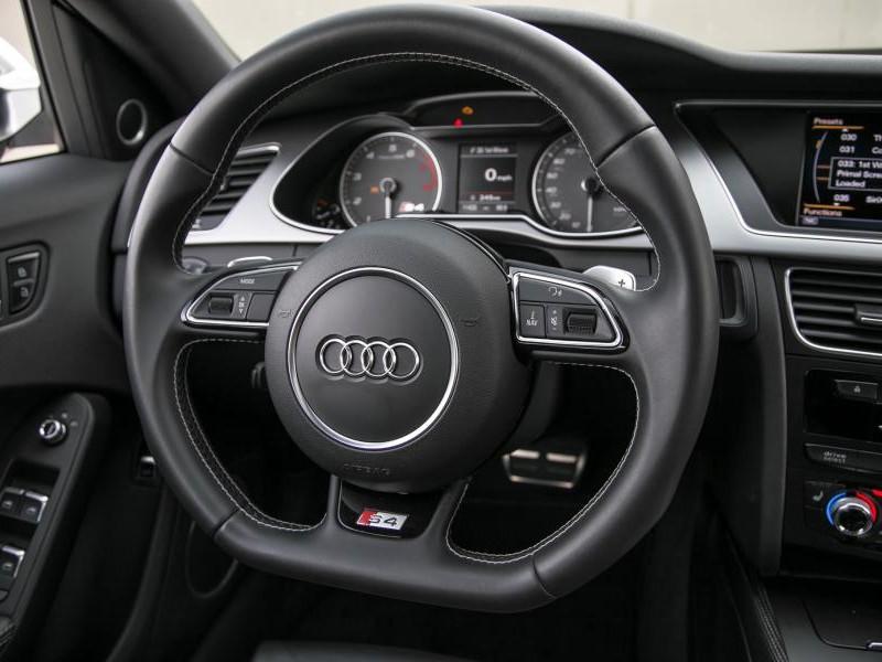 Руль, приборная панель Audi S4 2015
