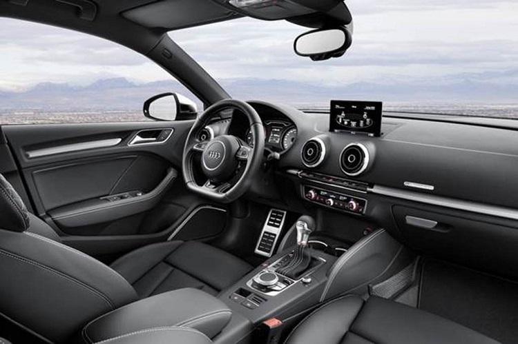 Интерьер Audi S4 2015
