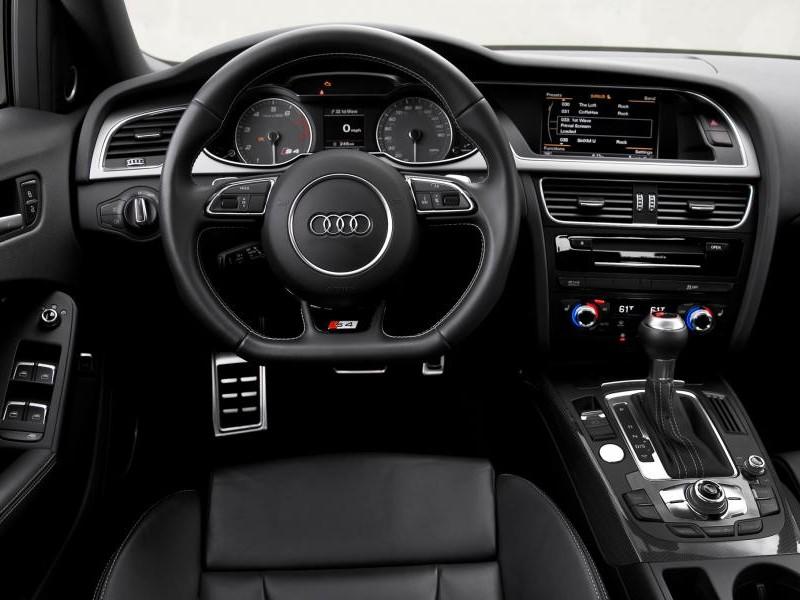 Руль, консоль, приборная панель Audi S4 2015
