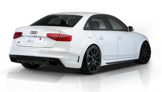 Белый Audi S4 2015
