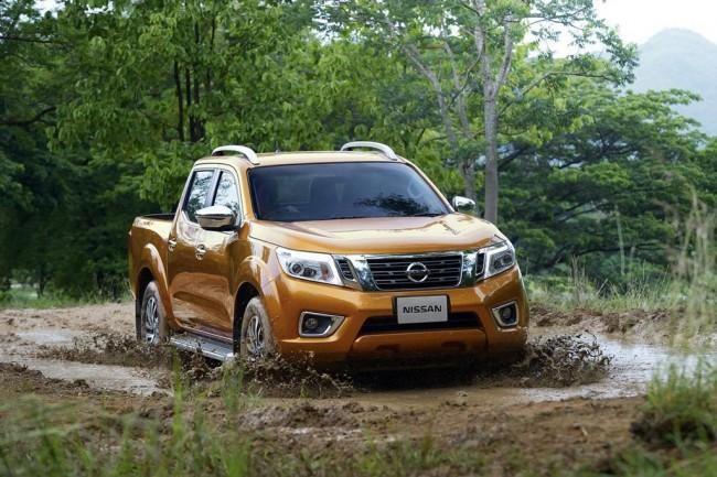 Nissan Navara, пикап вид спереди