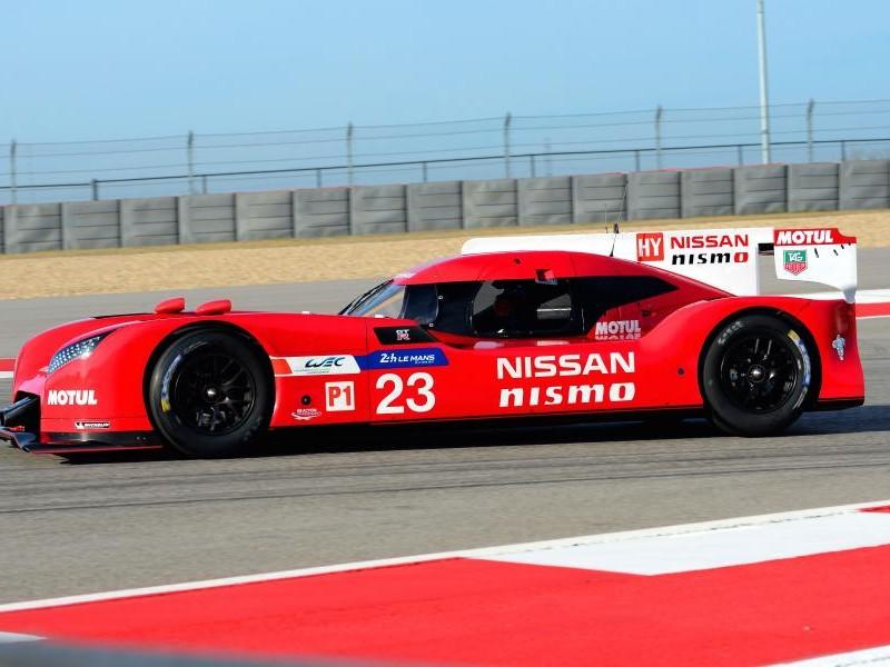 Nissan GT-R LM Nismo вид сбоку