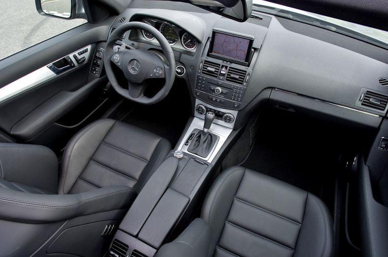 Интерьер Mercedes AMG C64