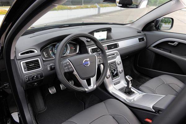 Руль, консоль, коробка передач Volvo S60 Inscription