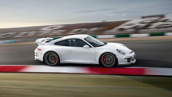 Тюнинг Porsche 911 GT3 KAEGE вид сбоку