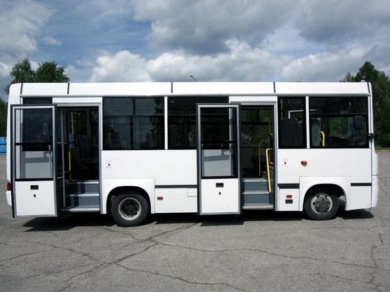 Белый автобус BAW 2245 Street Line