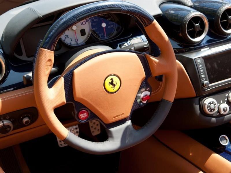 Руль, приборная панель Ferrari Superamerica 45