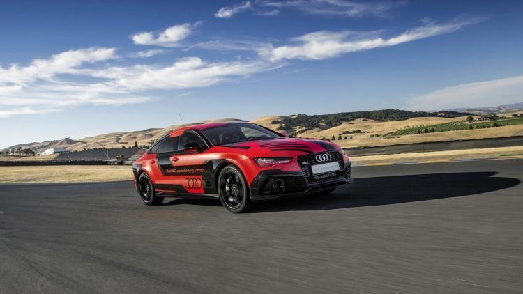 Audi RS7 Robby на треке