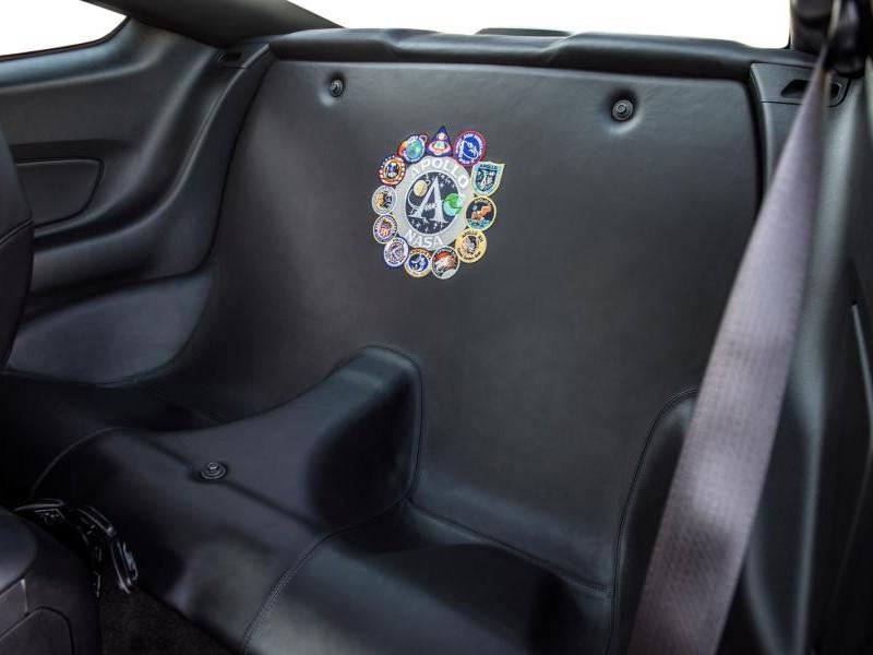 Задний ряд сидений Ford Mustang Apollo Edition