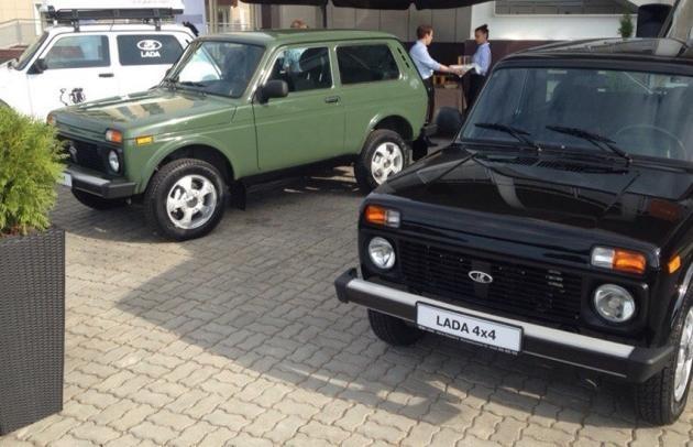 2 внедорожника Lada 4x4 Elbrus Edition