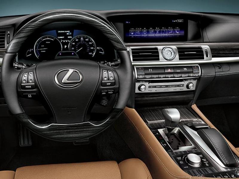 Руль, консоль, приборная панель Lexus LS 2015