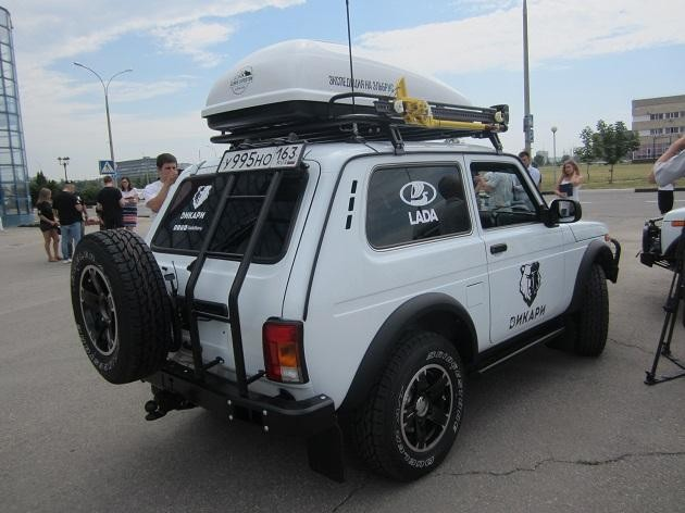 Белый Lada 4x4 Elbrus Edition
