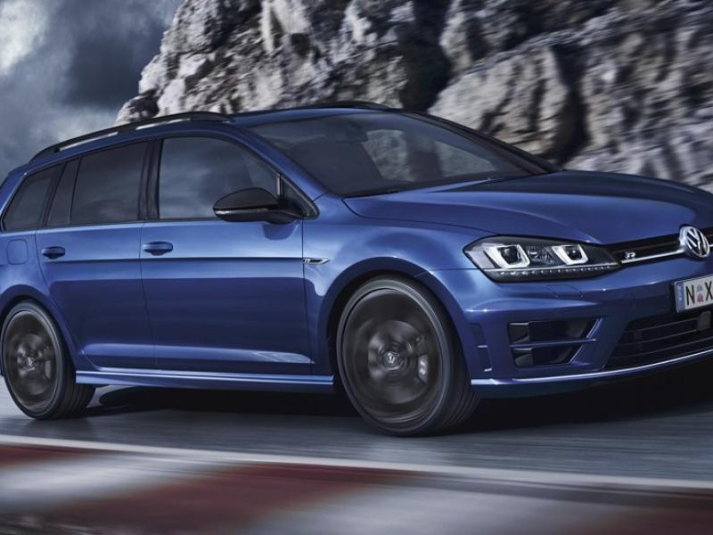 Синий универсал  Volkswagen Golf R