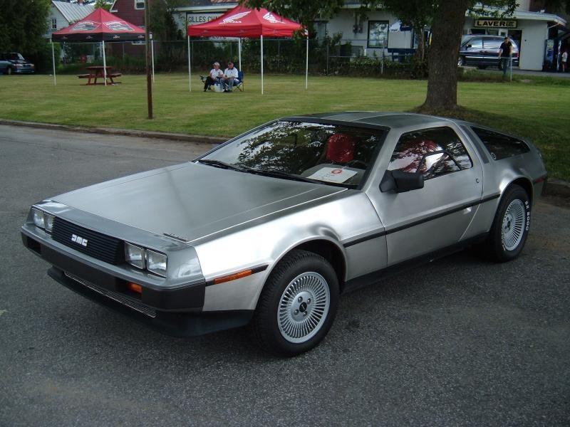 Купе  DeLorean DMC-12
