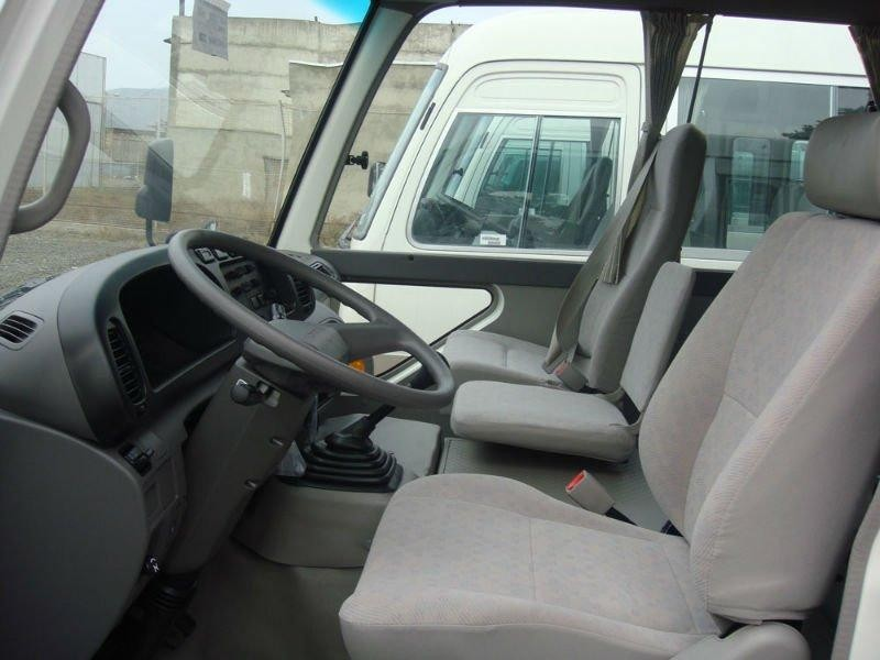 Интерьер автобуса Toyota Coaster