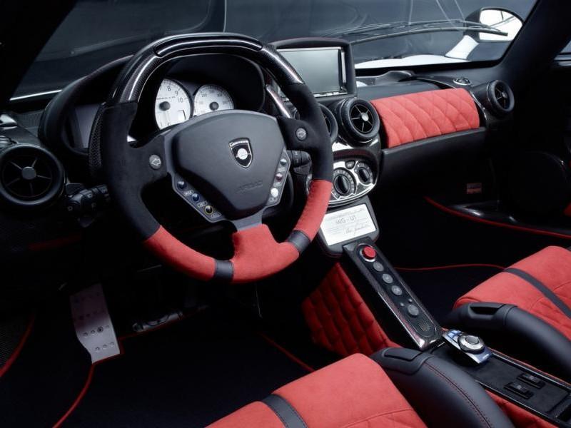 Руль, приборная панель Gemballa MIG-U1 (Ferrari Enzo)
