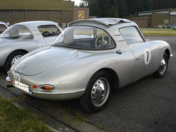 Серебристый купе DKW Monza вид сзади