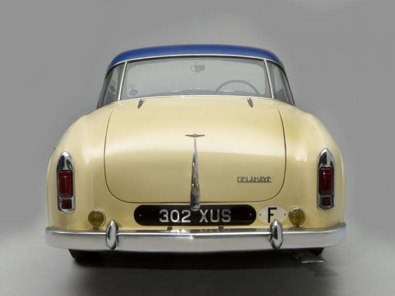 Бежевый Delahaye 235MS Coupe 1953 вид сзади