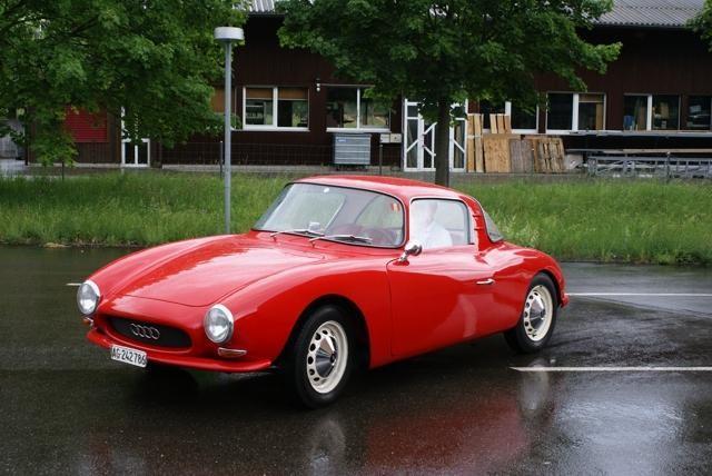 Красный купе DKW Monza