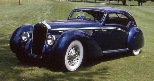 Синий купе Delage D8-120