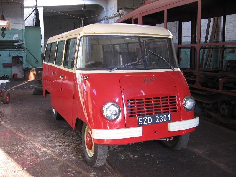 Красный Nysa N59M, вид спереди