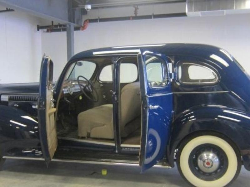 Packard 115 Touring вид сбоку