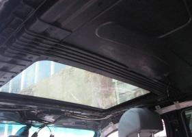 Как приклеить потолок в автомобиле не снимая клеем