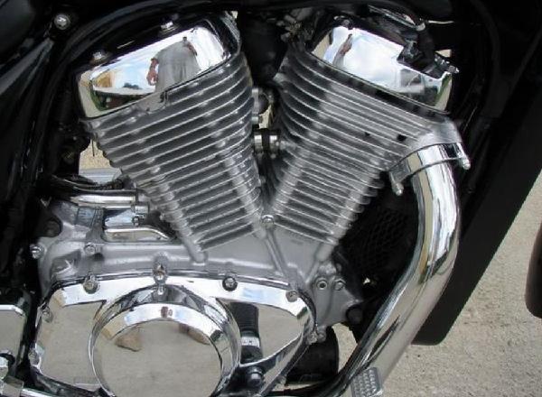 двухцилиндровый двигатель