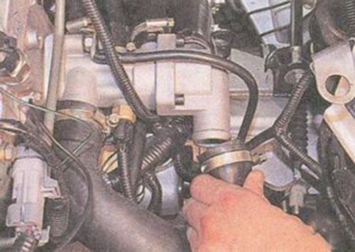 139 5 - Схема системы охлаждения приора с кондиционером