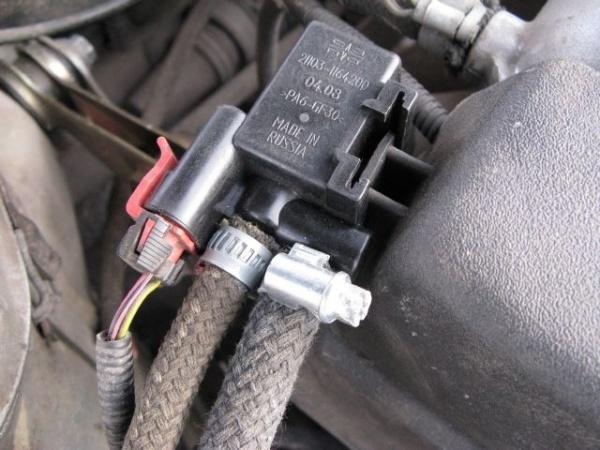 275 2 - Электромагнитный клапан продувки адсорбера приора