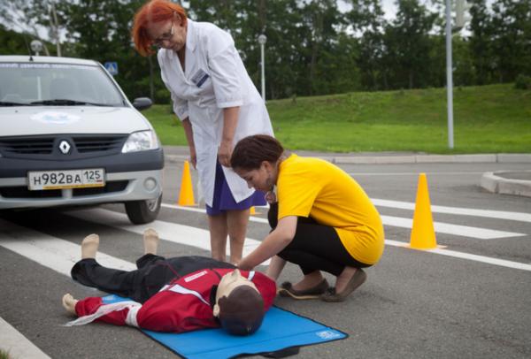 первая помощь пострадавшим дтп безумца, умершего