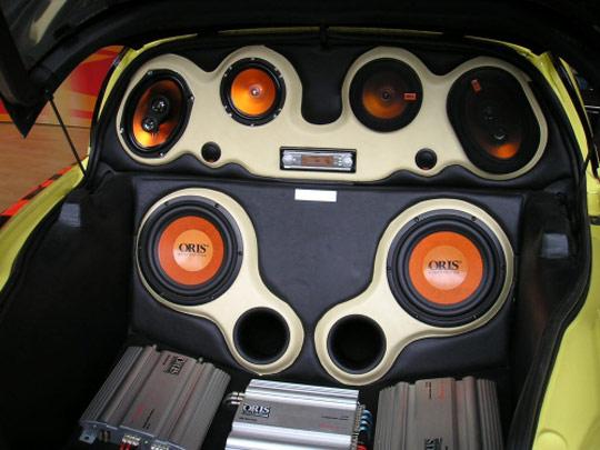 Акустическая система в авто