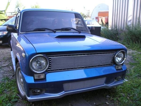 Глянцево-синий ВАЗ 2101