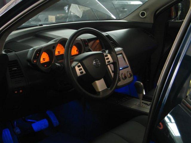 Как сделать подсветку в двери автомобиля 192