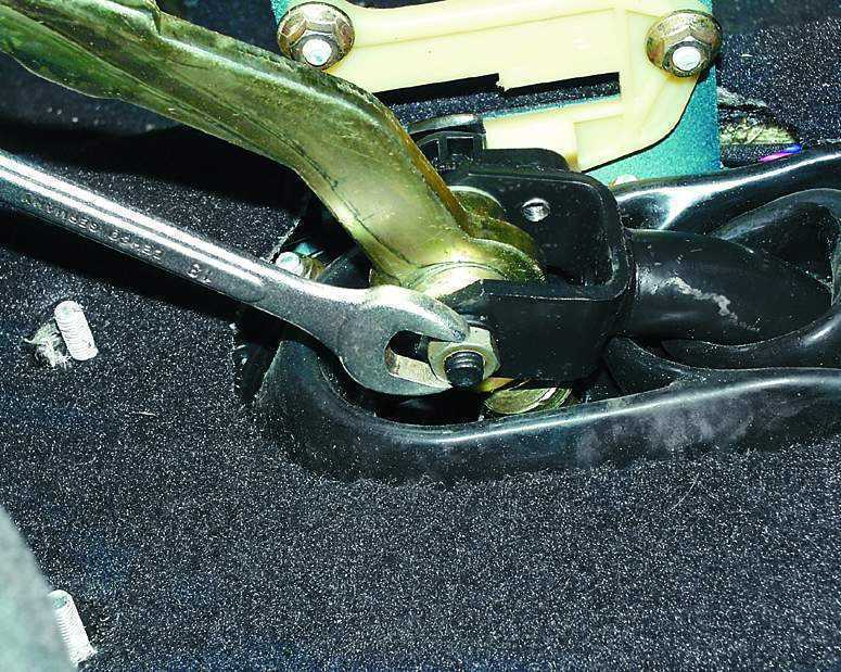 Фото №12 - ремонт рычага переключения передач ВАЗ 2110