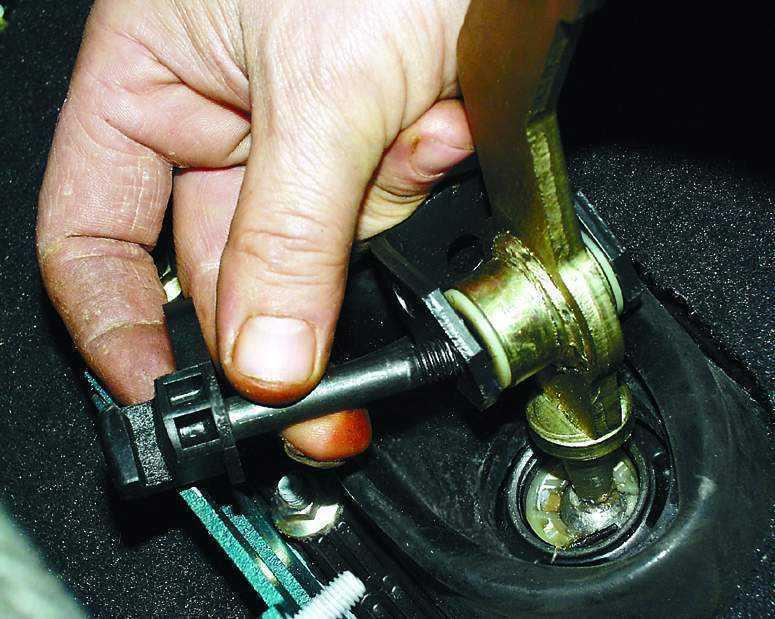 Фото №18 - большой ход рычага переключения передач ВАЗ 2110