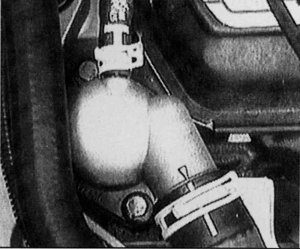 Форд ескорт де стоить термостат