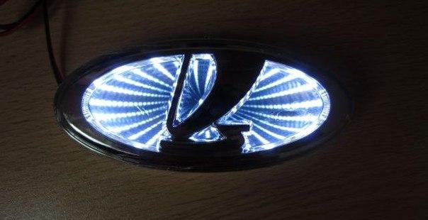 Логотип Лада Приора с голубыми светодиодами