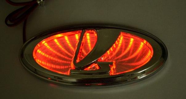 Логотип Лада Приора с красныи светодиодами